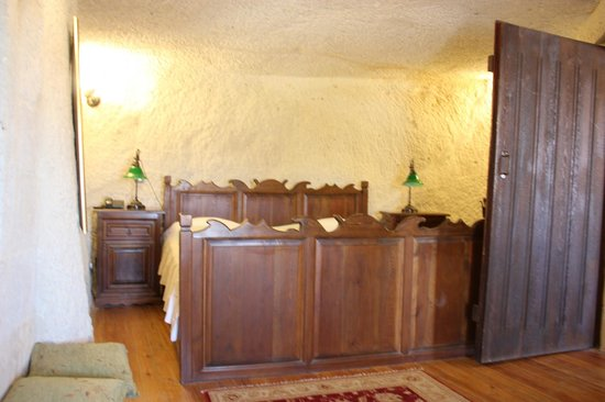Sultan Cave Suites : The cave bed room