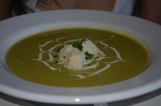 Alcaravea Gourmet: Platillo de sopa verde