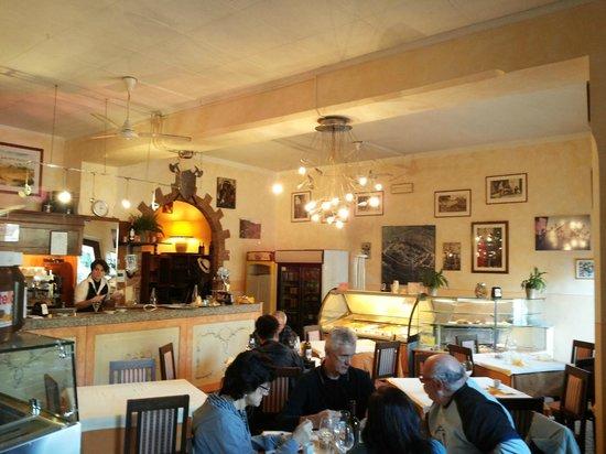 Restaurant - Bar Il Feudo: Sala interna principale
