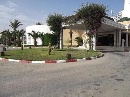 Hôtel Riviera Resort : front of hotel