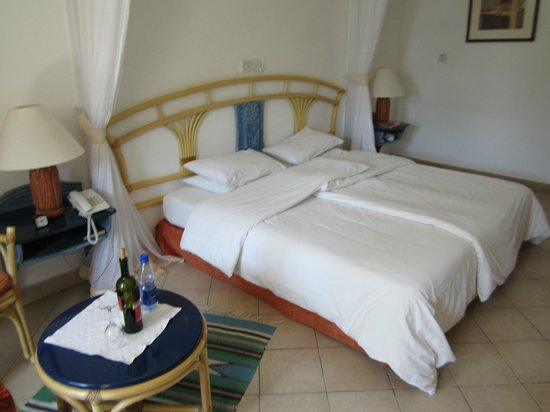 Neptune Beach Resort: Zimmer