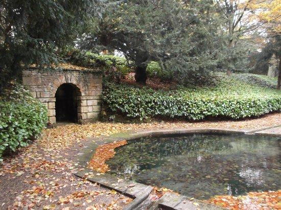 Rousham House & Garden: The Octogon Pool