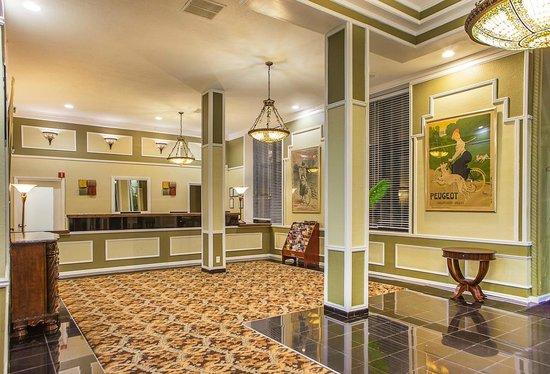 Legacy Vacation Resorts-Brigantine Beach: Lobby