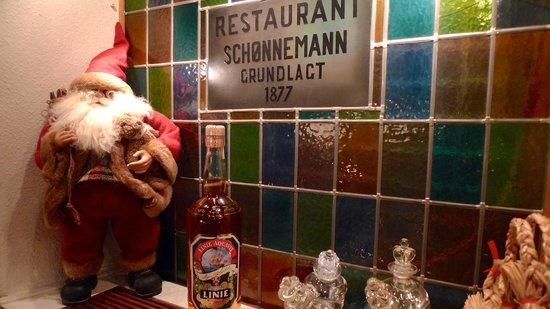 Restaurant Schoennemann: Lysholm Linie er hovedsponsor.