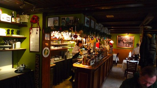Restaurant Schoennemann: Baren med mye godt.