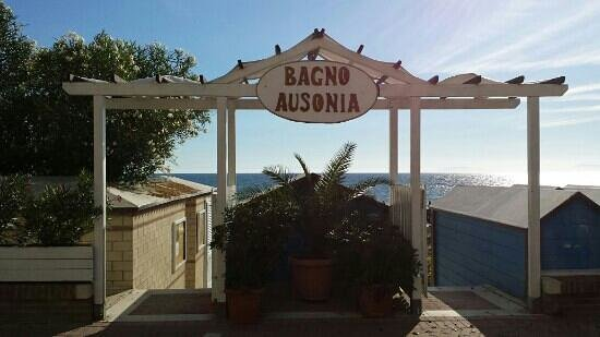 Hotel Ausonia: bagno ausonia, dal 1948.