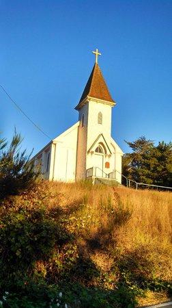 Lost Coast Scenic Drive : Church in Historic Petrolia