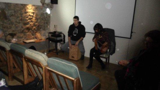 Hotel-balneari Sant Vicenc : Grupo Rot de la Seu con musica del Pirineu