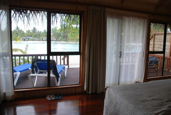 Aitutaki Lagoon Resort & Spa: View from bungalow #7