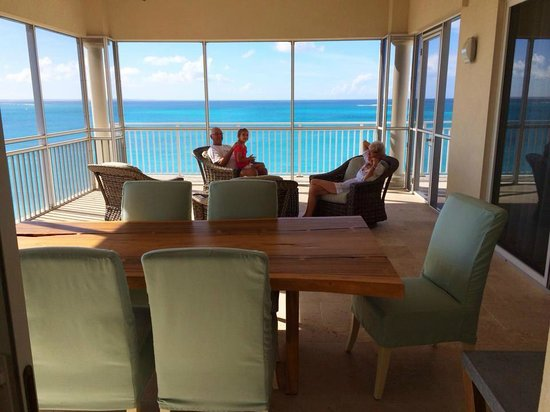 The Venetian on Grace Bay: Screened in porch area