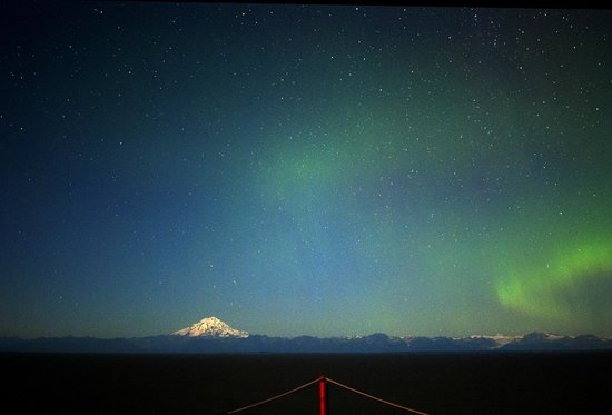 Cabins on the Bluff : Mount Redoubt & Aurora Borealis