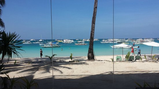 Boracay Ocean Club Beach Resort: ホテル前のビーチ