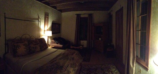 Chateau Hotel: Honeymoon Suite