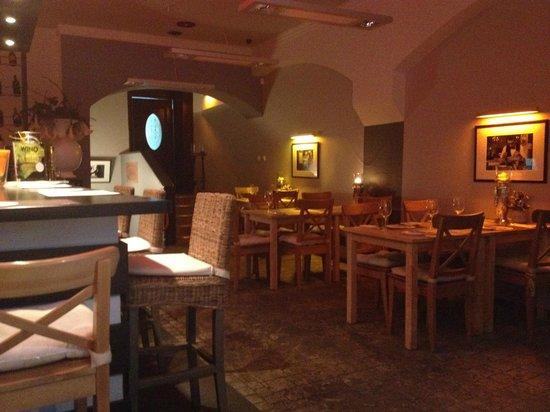 OK Wine Bar Restaurant: interior