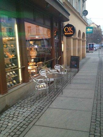 OK Wine Bar Restaurant: entrance