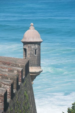 Castillo de San Cristobal: Great views of the Atlantic