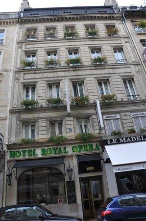 Hotel Royal Opera: Fachada
