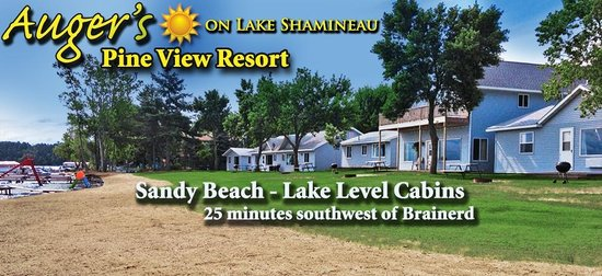 Auger's Pine View Resort: Sandy Beach and Lake Level Cabins!