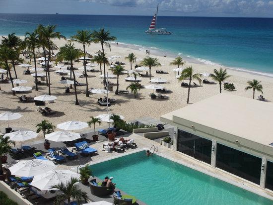 Bucuti & Tara Beach Resort Aruba: Pool and Bucuti beach