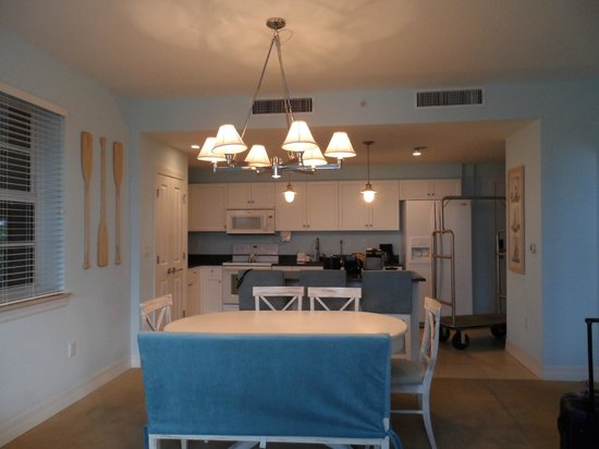 The Resort & Club at Little Harbor: Kitchen dinning area