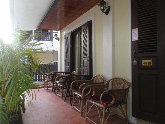 Villa Somphong: devant
