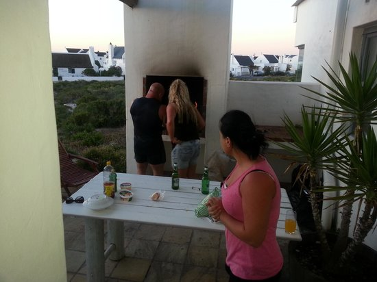 The Cottage Collection : Saturday night braai with friends