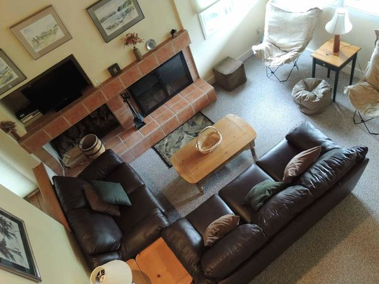 The Bridges Family Resort & Tennis Club: Unit 102: Spacious Living Room