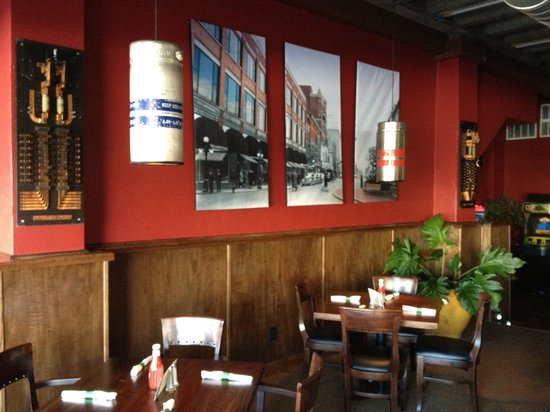 Townie's Grill: Interior
