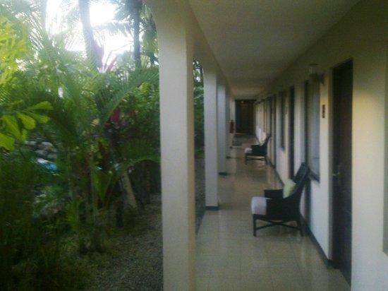 Hotel Coco Beach & Casino: pasillo de aceso