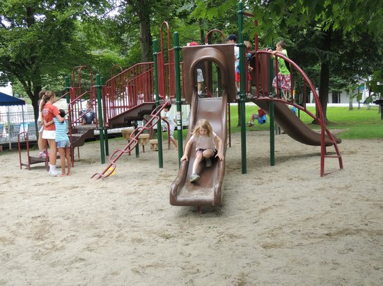 The Bridges Family Resort & Tennis Club: Kids love our new playground!