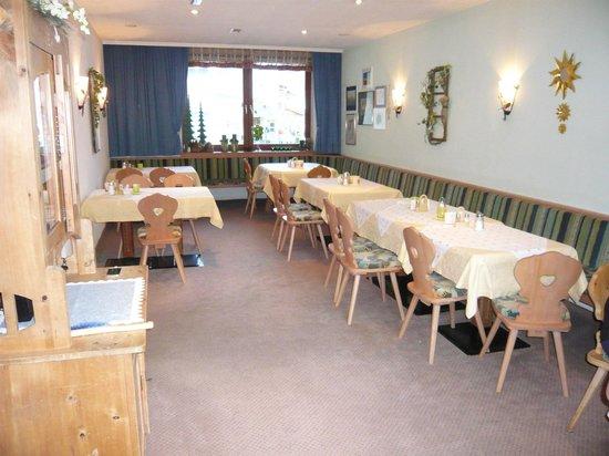 Hotel Garni Ehrenreich: Breakfast room