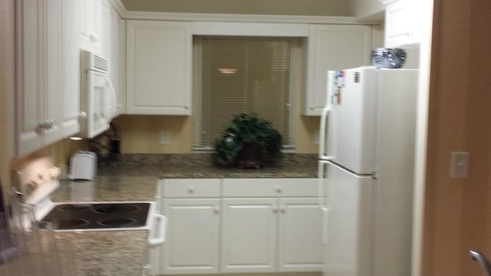 Island Vista: Full Kitchen