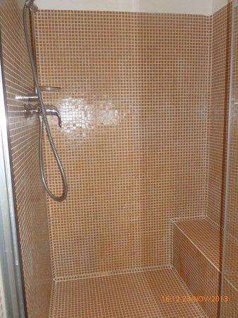 Residenza La Villa : doccia