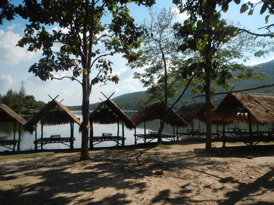 Chiang Mai Mountain Biking & Kayaks: Lunch at the lake