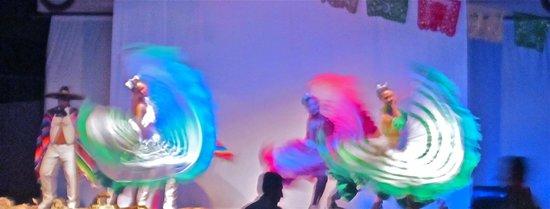 Villa del Palmar Beach Resort & Spa Los Cabos: Mexican Fiesta night Entertainment!