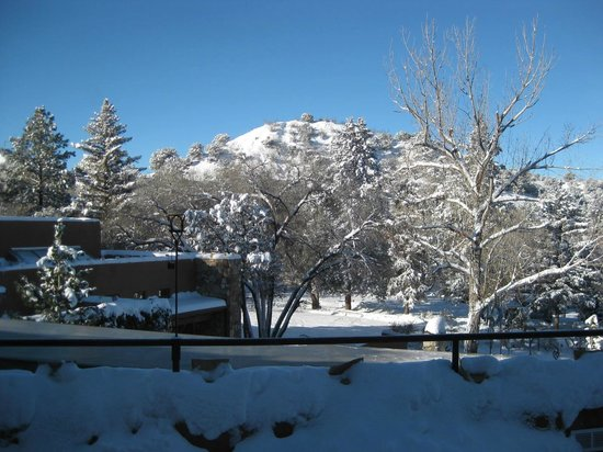 Bishop's Lodge Resort & Spa: View from main lodge after the snowstorm