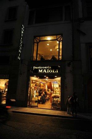 Antica Pasticceria  Maioli : Вид с улицы.