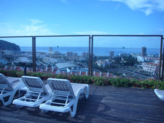 Paradise Park Fun Lifestyle Hotel: Roof Top pool view