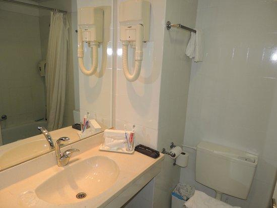 Jerusalem Gate Hotel: Banheiro