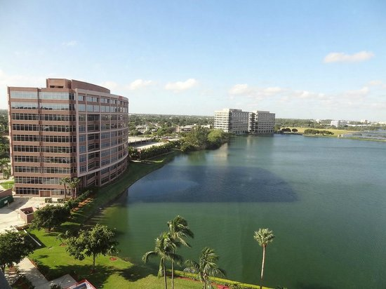 PULLMAN Miami Airport hotel: view on the Blue Lagoon