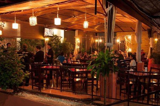 Restaurante Las Brasas: Terraza