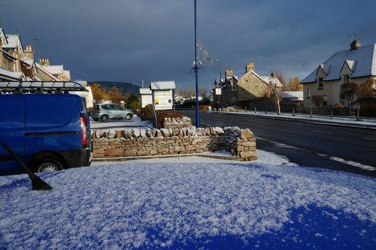 Cairngorm Guest House: Snow!