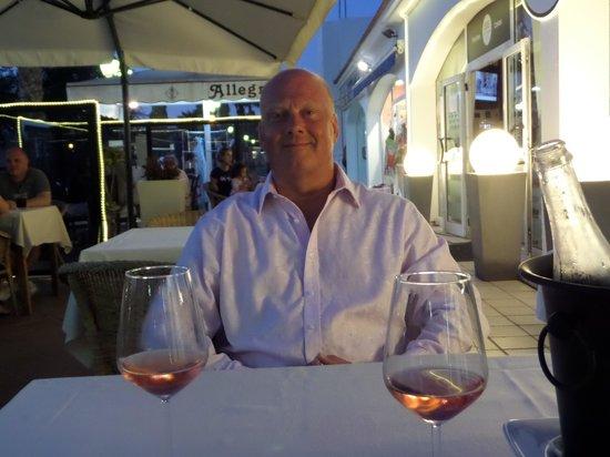 555 Wine & Tapas Restaurant: Great meal