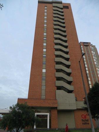 Radisson AR Hotel Bogota Airport: ホテル外観
