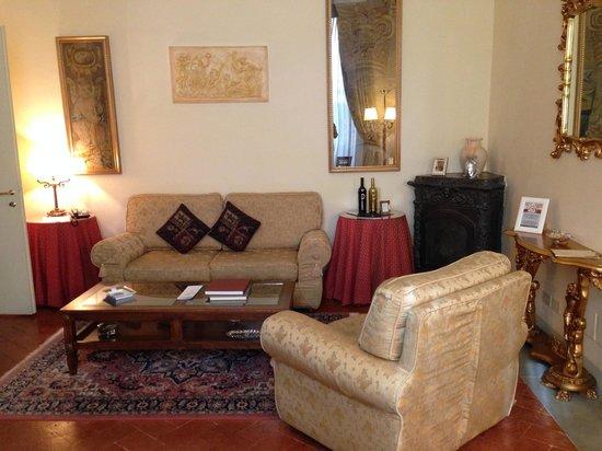 Palazzo Magnani Feroni : Ginerva living room