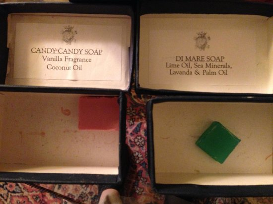 Palazzo Magnani Feroni : soap samples to choose for your stay