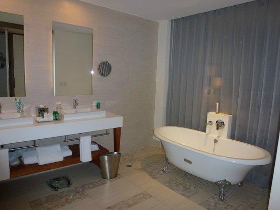 Hilton Puerto Vallarta Resort: Bañera
