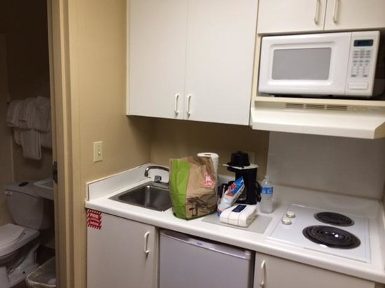 Crossland Economy Studios - Shreveport - Bossier City : Kitchenette