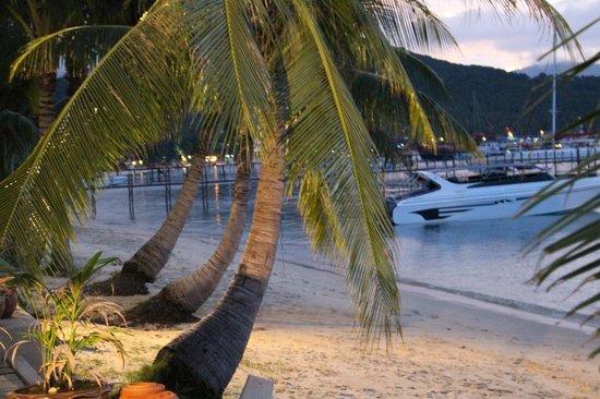 Saboey Resort and Villas: view from beach villa 1 at night