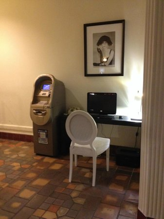 """The Savoy Hotel : The """"Business Center"""""""